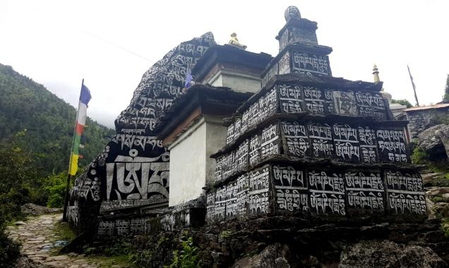 day-2-lukla-stupa-14
