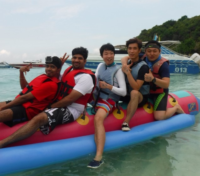 pattaya-island-tour-banana-boat-large
