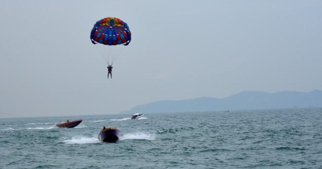 pattaya-island-tour-paragliding-2-large