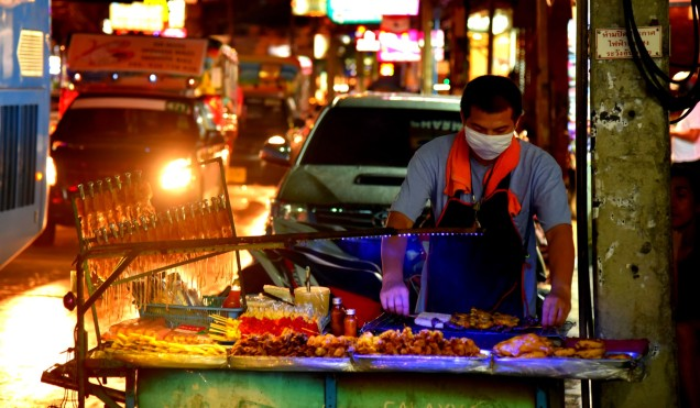 pattaya-walking-street-food-large