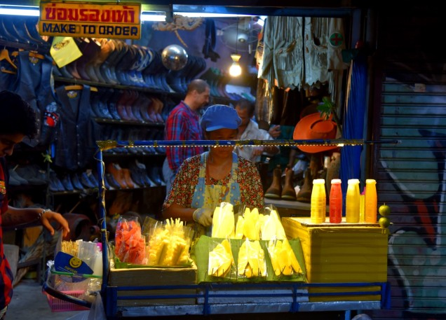 pattaya-walking-street-food1-large