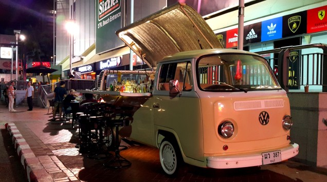 pattaya-walking-street-night-truck-cafe-large