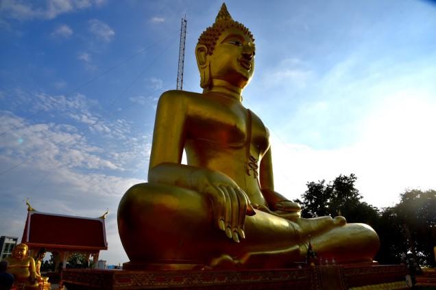 pattaya-wat-phra-yai-buddha-temple1-large