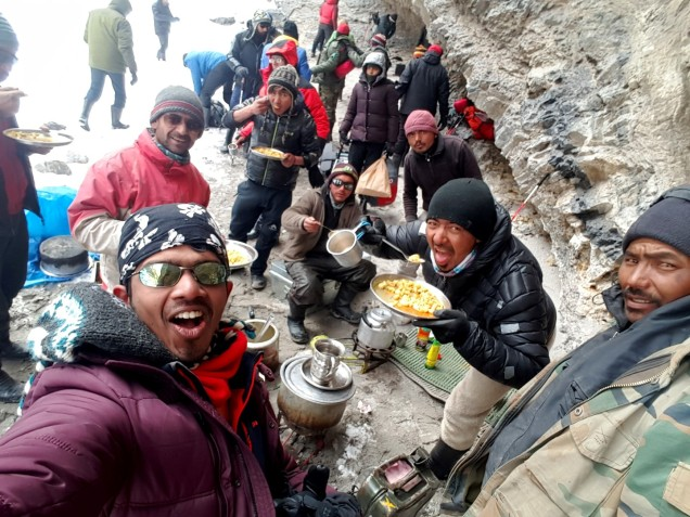 Chadar-Trek-Zanskar-Lunch