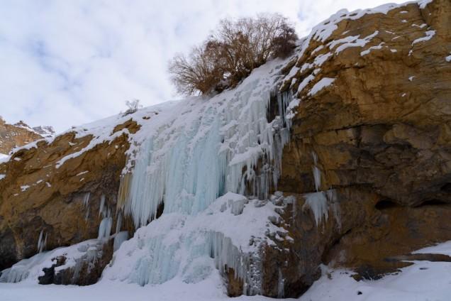 Chadar-Trek-Zanskar-Nerak-Waterfall (2)