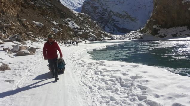 Chadar-Trek-Zanskar-Porter