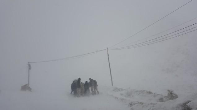 18-Leh-Ladakh-Stuck-in-Snow
