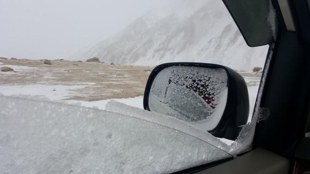 19-Leh-Ladakh-Snow-From-Car