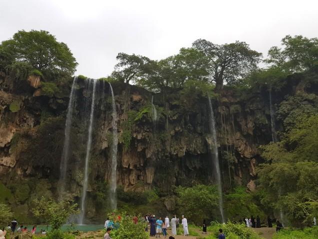 05-Salalah-Ayn-Athum-waterfall